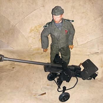 DiD Dragon in Dreams WWII German Peter Greim With Anti-Tank Gun 2006 - Toys