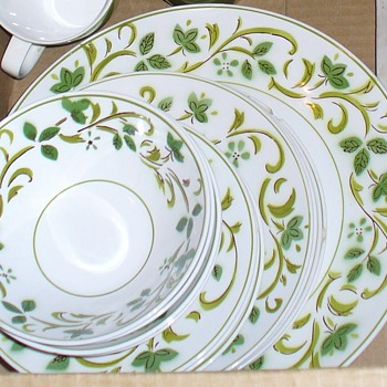 Green Swirl Mikasa Set - China and Dinnerware