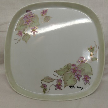 Shallow little handpainted tray