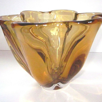 Narumi/Sanyu Fantasy Glass amber bowl - Art Glass