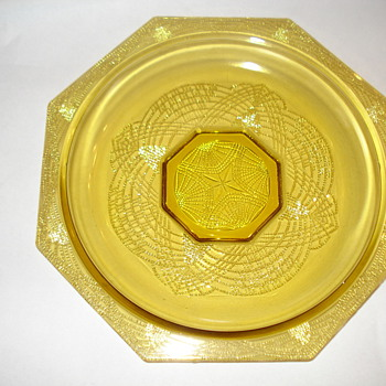 DEPRESSION SERVING PLATE  - Glassware