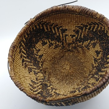 Need help identifying these Native American baskets #3 - Native American