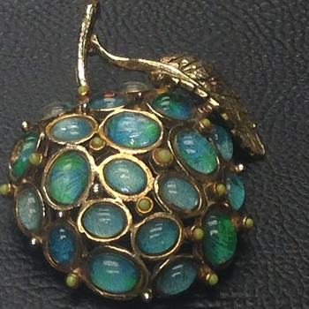 14k Gold Judith Green signed Brooch Apple with Cabochon stones - Fine Jewelry