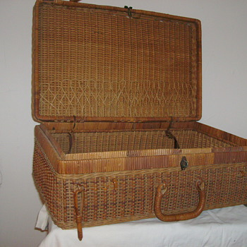Early 1900's Wicker Rattan Suitcase   (Not A Picnic Basket) - Bags