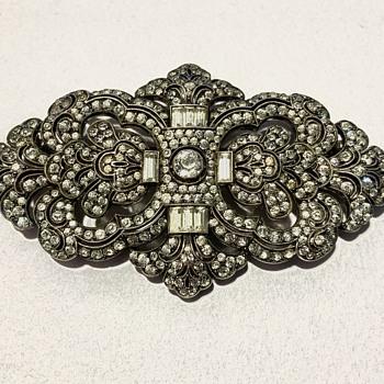 Mystery silver brooch - Fine Jewelry