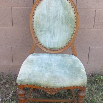 Identify this chair please - Furniture