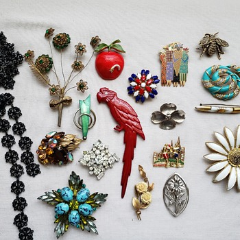 Just a few more Brooches - Costume Jewelry