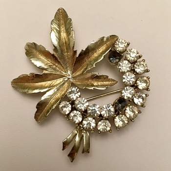 Gold & Rhinestone Leaf Brooch - Costume Jewelry