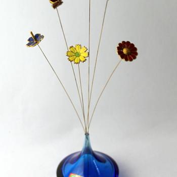 Small bud vase with enamel flowers from Noritake Crystal Japan - Art Glass