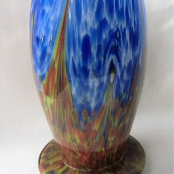 Scailmont or Ruckl, cropped or not, short spatter glass vase. - Art Deco