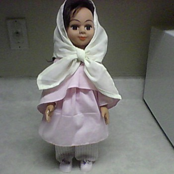 DARA/ SARA  MIDDLE EASTERN DOLL - Dolls