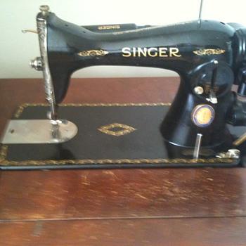 1937 CNE Singer Sewing Machine