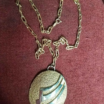 Vintage Tortolani Gold Tone Pendant Necklace - 70's?? - Costume Jewelry