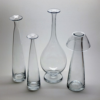 Three early Gunnar Nylund vases from Strömbergshyttan. - Art Glass