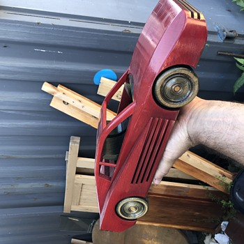 Wooden, french, 1/10-1/12 can't find any info Ferrari testarossa - Model Cars