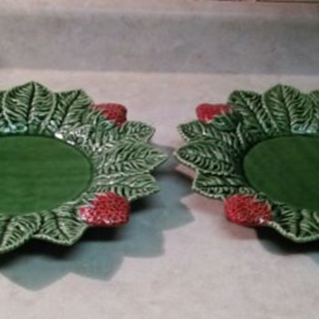 2 STRAWBERRY PLATTERS - Pottery