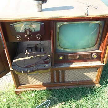 Vintage home entertainment center