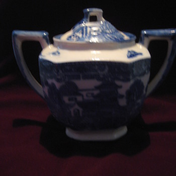 Flo Blue? Blue Willow? Sugar Bowl? Made in Japan - Pottery