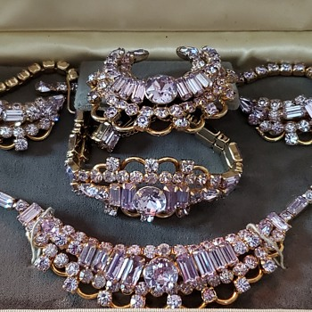 Kramer faux Alexandrite collection - Costume Jewelry
