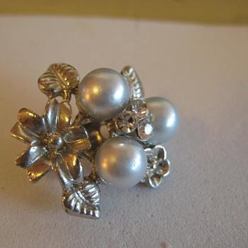 CORO Pearl Rhinestone Pin  - Costume Jewelry
