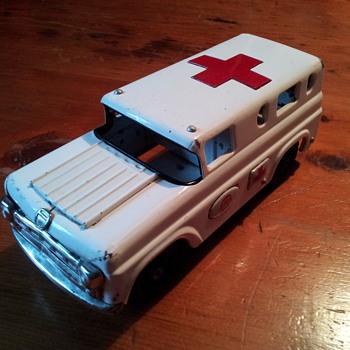 Marusan ( Bulldog Toy ) Tin Ambulance. Japan