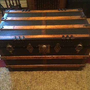 Name this trunk Mid to late 1800's Help appreciated