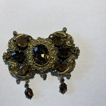 Vintage or antique? Brooch rhinestone are gems? - Costume Jewelry