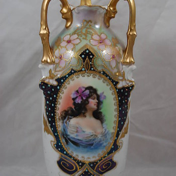 E. S. vases (Prov. Saxe  and EZ Clermont marks). - China and Dinnerware