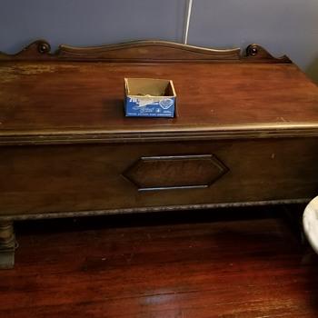 Caswell runyan cedar chest - Furniture