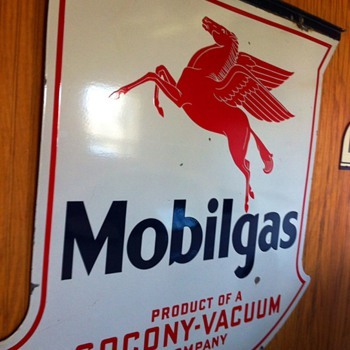 mobilgas sign - Petroliana