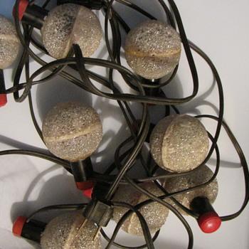 Need information on unusual Christmas lights. - Christmas
