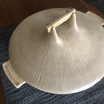 Bauer Pottery - Moonsong Casserole Dish - Pottery