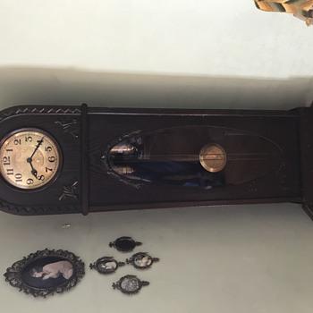 Momma Clock  - Clocks