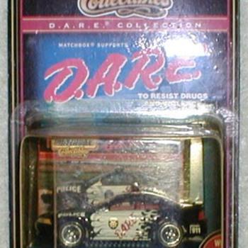 1999 - Matchbox D.A.R.E. Mustang Police Car - Toys