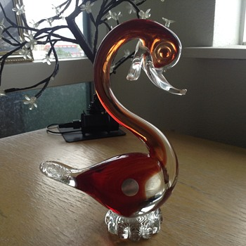 Murano glass swan with sticker