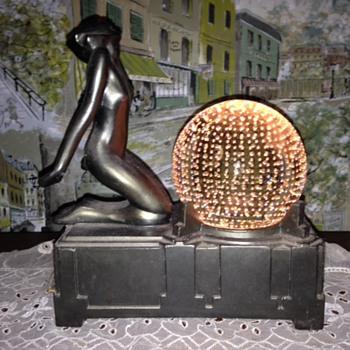 Art Deco Globe Lamp - Art Deco