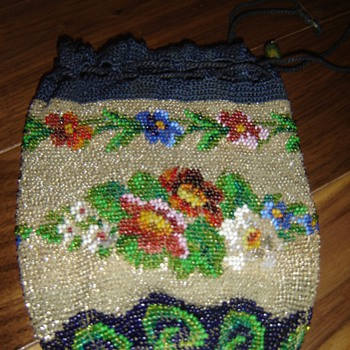 Antique beaded purse - Bags
