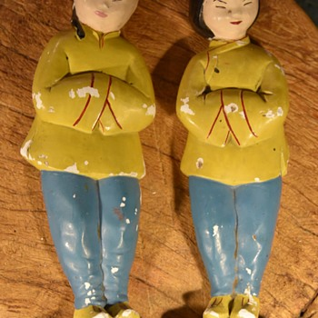 Old Chalkware Chinese Man and Woman - Figurines
