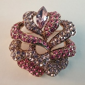 Carolee floral brooch  - Costume Jewelry