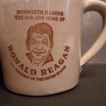 USA Ronald Reagan coffee mugs - Pottery