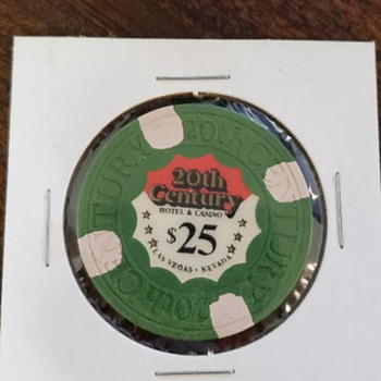 Collectible 1978 $25 casino chip from the 20th Century Hotel & Casino in Las Vegas - Games