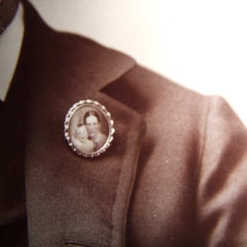 California man with a photo brooch - Photographs
