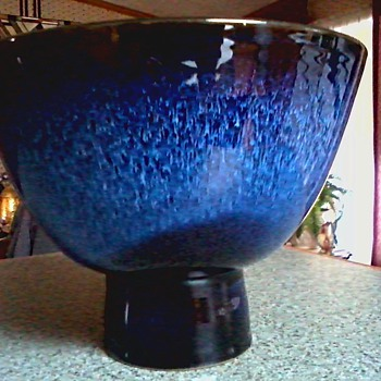 Japanese Art Pottery Bowl /Intense Cobalt Blue Drip Glaze / Unknown Maker and Age - Asian