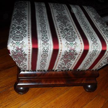 19th CENTURY MAHOGANY UPHOLSTERED BOX STOOL - Furniture