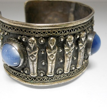 Vintage Sterling Egyptian Revival Scuff Bracelet. - Costume Jewelry