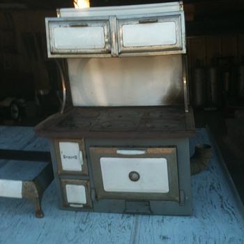 American Range Corp. Sanico Coral wood cook stove - Kitchen