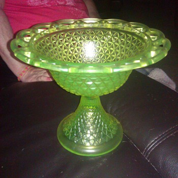 Depression glass footed bowl - Glassware