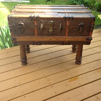 1906 steamer trunk  - Furniture