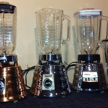 a trilogy of old OSTERIZER blenders - Electronics