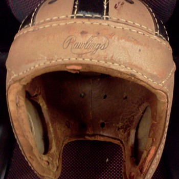 1930'S RAWLINGS FOOTBALL HELMET